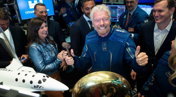 Dueño de Virgin realiza primer vuelo espacial de la compañía
