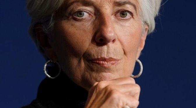 Recuperación de la zona del euro se enfrenta a riesgos de mutaciones virales: Lagarde