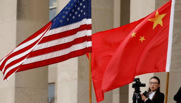 Empresas chinas que cotizan en EU deben revelar los riesgos de interferencia del gobierno