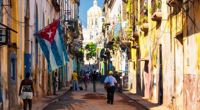 México prepara barcos de la marina para llevar alimentos y suministros a Cuba