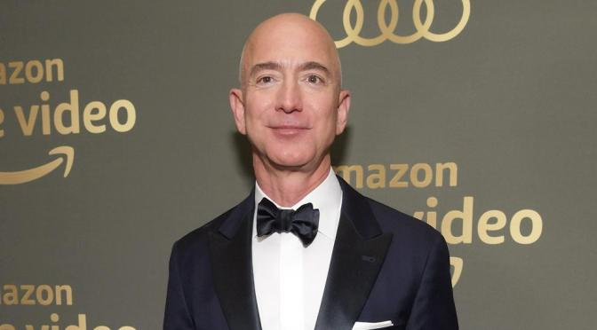 Estudiante de 18 años será el cuarto acompañante de Bezos en el espacio
