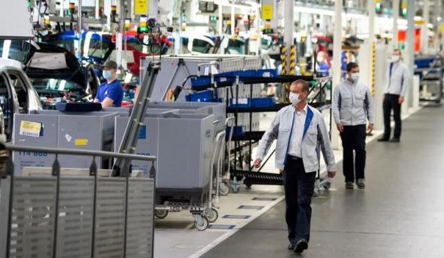 Auge empresarial de la zona euro se disparó en agosto