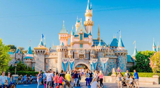 Parques de Disney en EU ofrecerán una entrada de viaje más rápida por una tarifa extra