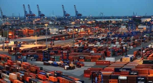 Exportaciones alemanas saltan pese a los cuellos de botella de oferta en la industria