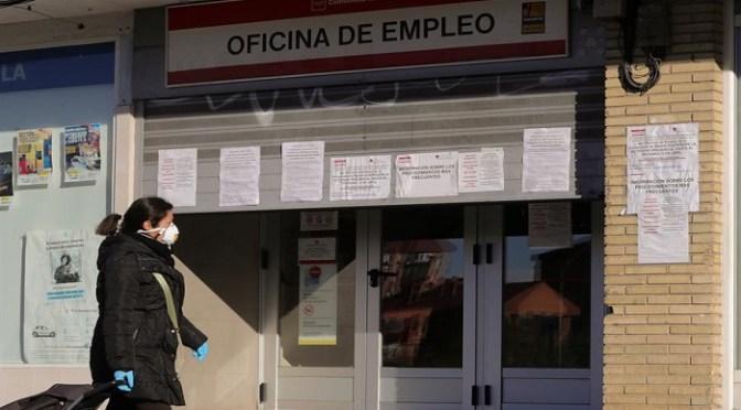 Cifras españolas de desempleo se desploman un récord del 5.5% en julio