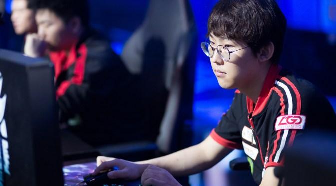 Adolescentes chinos muestran su indignación hacia los límites de juego mientras los inversores sopesan el impacto en la industria