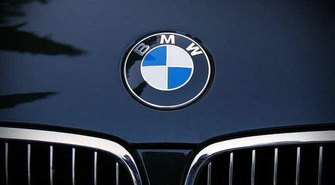 BMW eleva pronóstico de ganancias para 2021