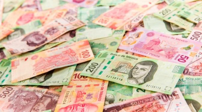 México registra 10 mil millones de dólares en salidas extranjeras del mercado de deuda, en camino de un año récord