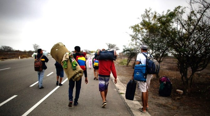 Cuarto grupo de migrantes parte de frontera sur de México