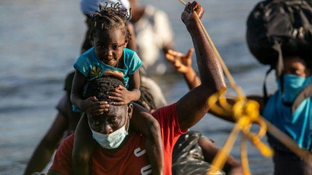 "Blinken advierte a migrantes haitianos que caminata hacia Estados Unidos es ""profundamente peligrosa"""