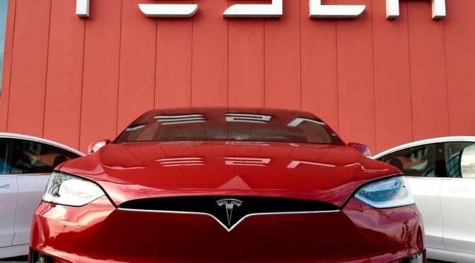 Entregas de vehículos Tesla alcanzaron otro récord en el tercer trimestre, supera las estimaciones de los analistas