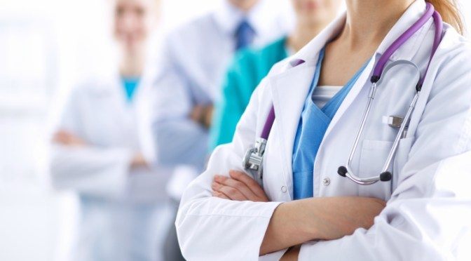 Tecmilenio y CMH firman acuerdo para apoyar profesionalización de sector hospitalario