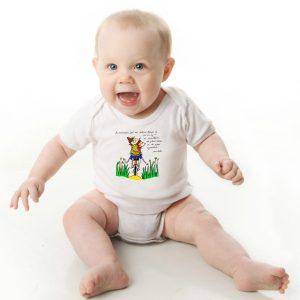 offrez ce Magnifique Body Bébé manche courte illustré par Abi, motif Le bonheur selon Aristote by Abi, un body orignal agréable a porter et résistant, pratique à enfiler et à enlever, garantissant un confort optimal pour le bébé. Disponible en taille 3, 6, 9, 12 et 18 Mois. fermeture par 3 boutons pression à l'entrejambe.Touché doux et confortable.