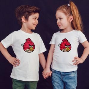 offrez en cadeau à vos enfants ce Magnifique T-shirt Enfant fille ou garçon Angry Birds. Il est agréable à porter, imprimé directement depuis notre atelier Français situé à Jurançon au cœur des Pyrénées, en plein Béarn 64 niché entre l'océan et la montagne. Disponible en taille 3/4 ANS, 5/6 ANS, 7/8 ANS, 9/10 ANS, 11/12 ANS. 100% coton.