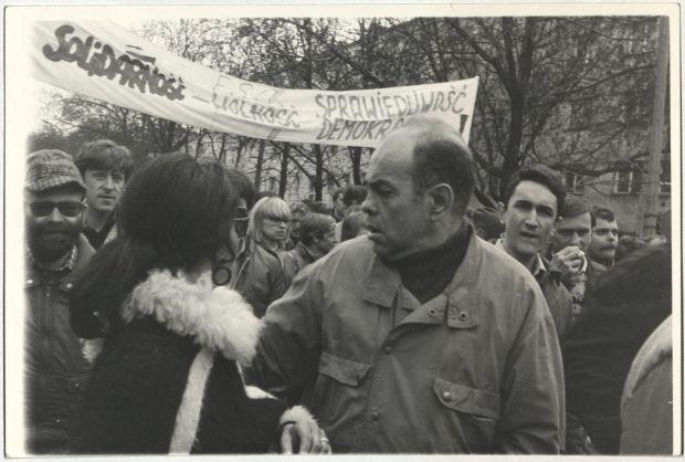 Jacek Kuroń a rendszerváltáskor (1989. május 1.)