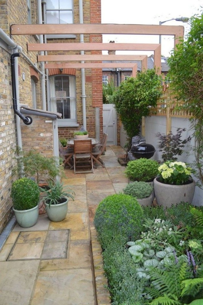 Amazing Small Courtyard Garden Design Ideas 01