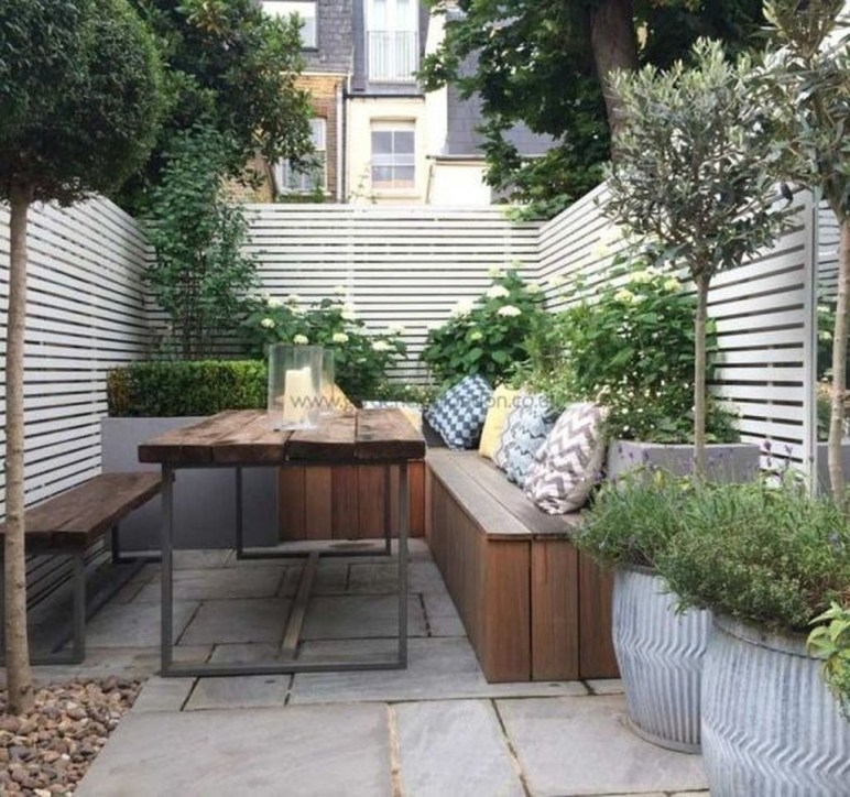 Amazing Small Courtyard Garden Design Ideas 05