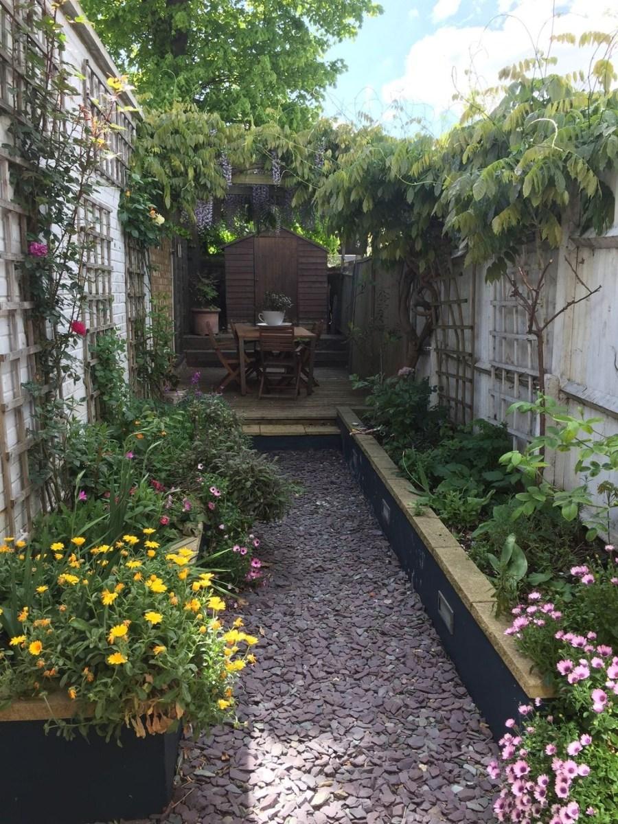 Amazing Small Courtyard Garden Design Ideas 18