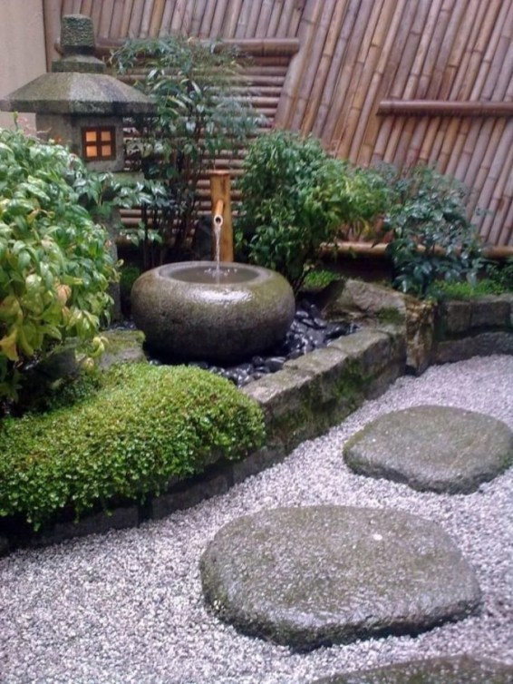 Amazing Small Courtyard Garden Design Ideas 19