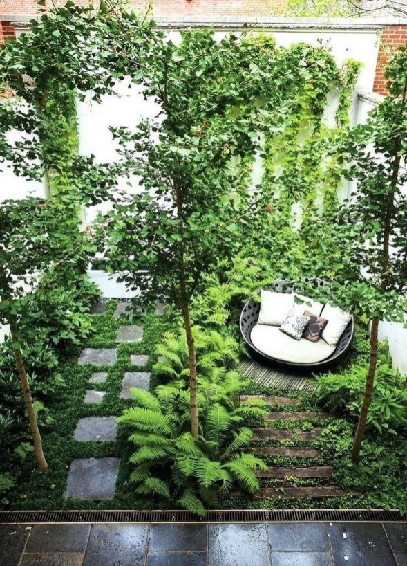 Amazing Small Courtyard Garden Design Ideas 25
