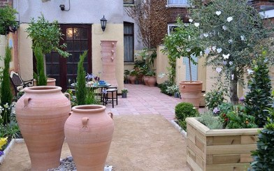 Amazing Small Courtyard Garden Design Ideas 28