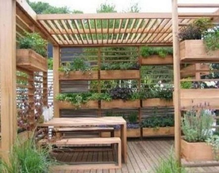 Amazing Small Courtyard Garden Design Ideas 30