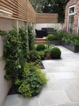 Amazing Small Courtyard Garden Design Ideas 31