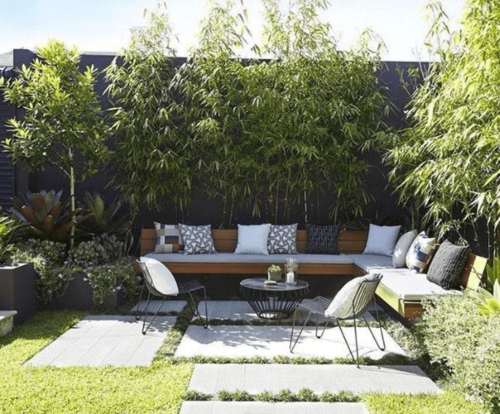 Amazing Small Courtyard Garden Design Ideas 32