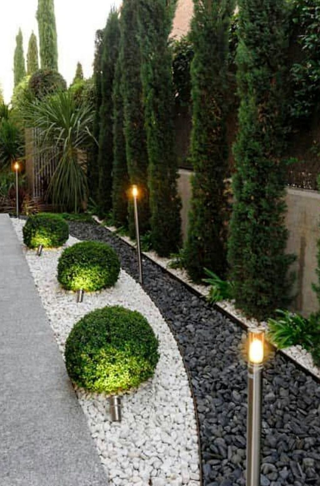 Inspiring Outdoor Lighting Ideas For Your Garden 02