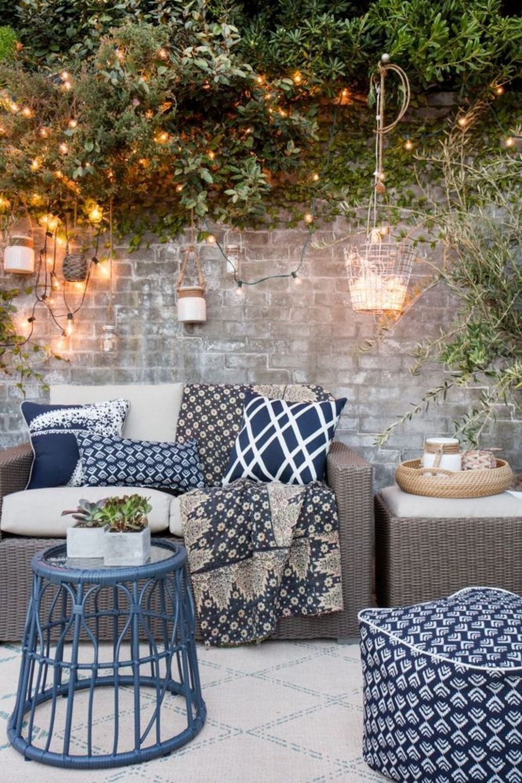 Inspiring Outdoor Lighting Ideas For Your Garden 17