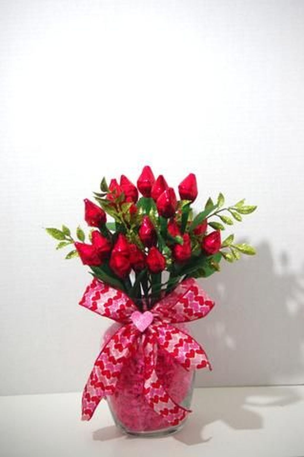 Lovely Rose Arrangement Ideas For Valentines Day 31