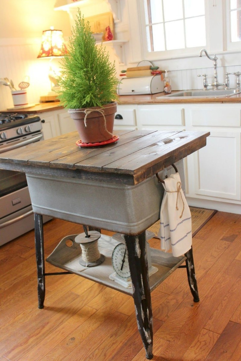Awesome Rustic Kitchen Island Design Ideas 16