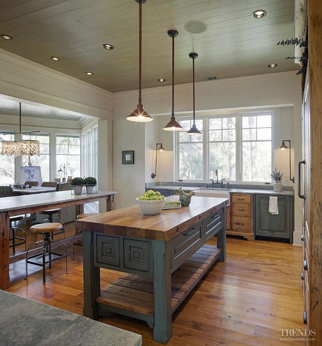 Awesome Rustic Kitchen Island Design Ideas 21