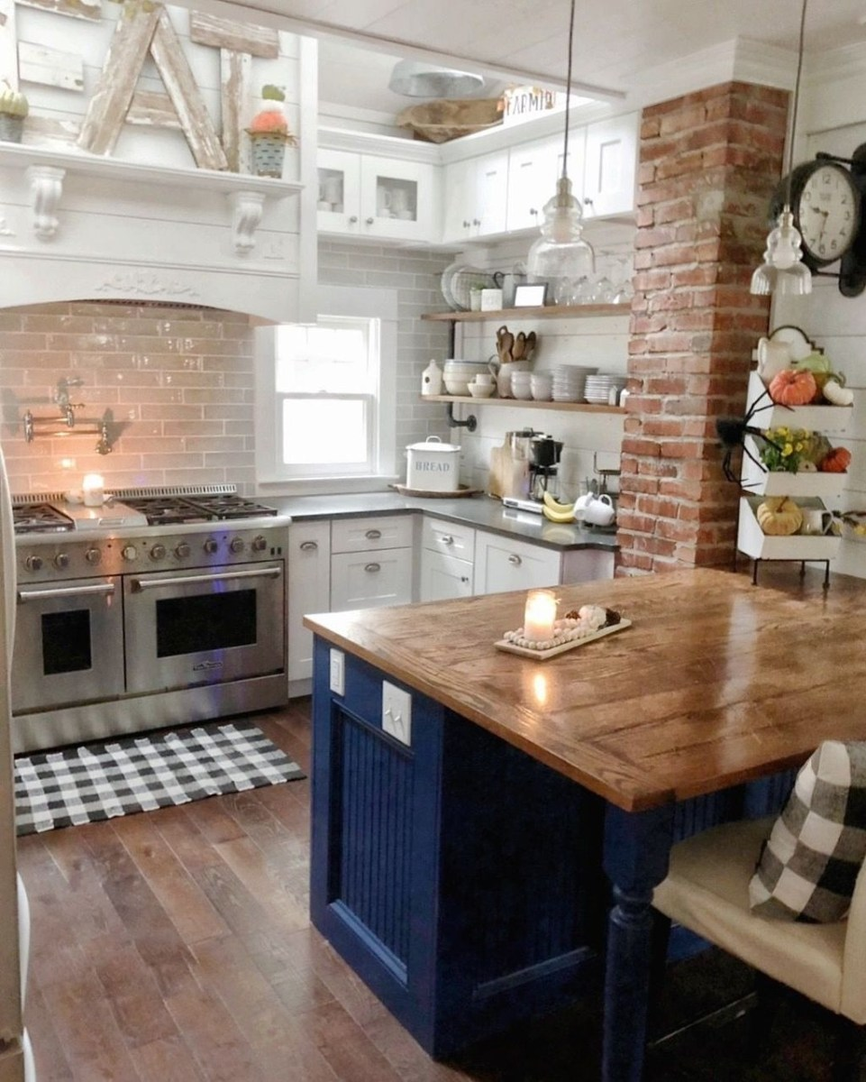 Awesome Rustic Kitchen Island Design Ideas 22