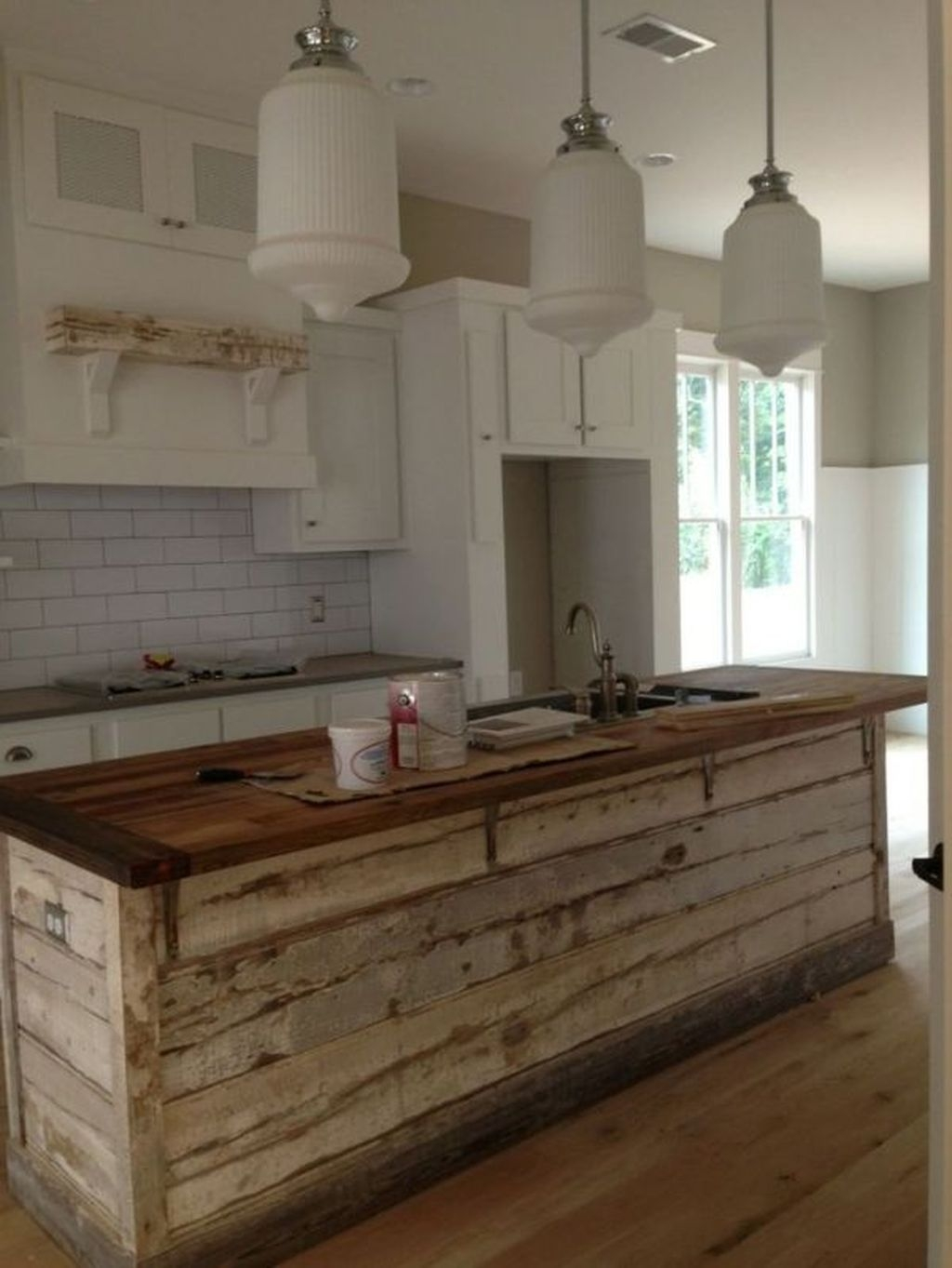 Awesome Rustic Kitchen Island Design Ideas 27