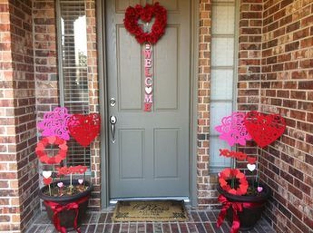 Awesome Valentine Outdoor Decorations 02
