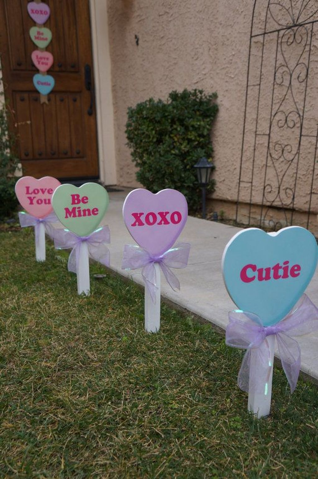 Awesome Valentine Outdoor Decorations 04