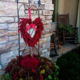 Awesome Valentine Outdoor Decorations 31