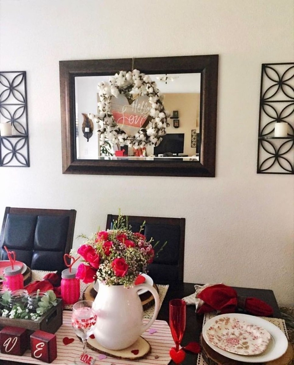 Beautiful And Romantic Valentine Dining Table Decoration Ideas 16