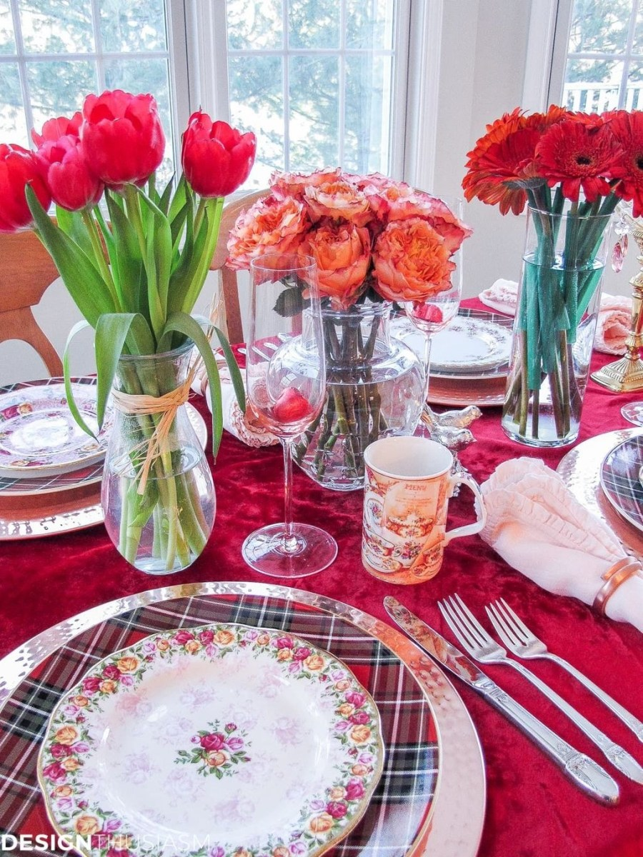 Beautiful And Romantic Valentine Dining Table Decoration Ideas 20