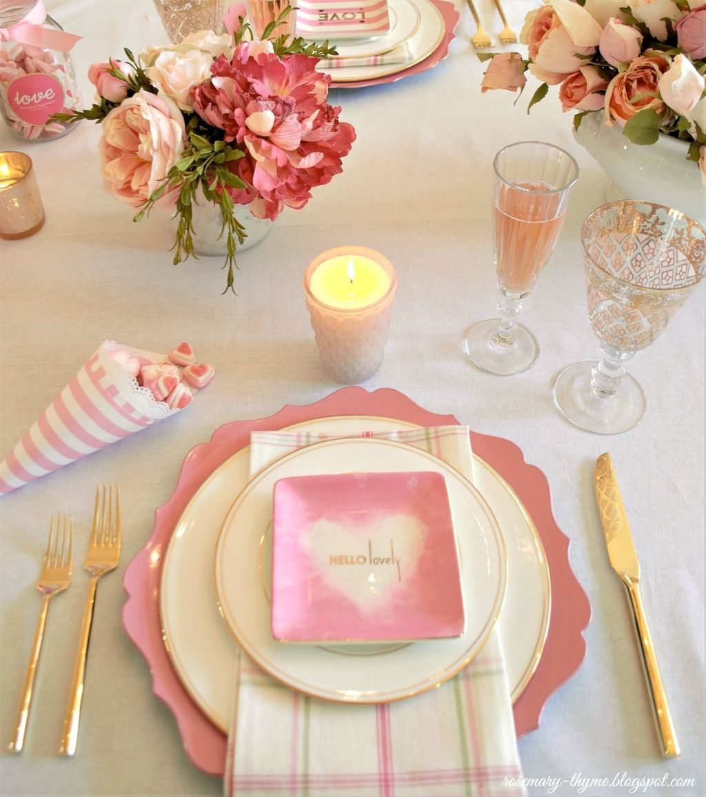 Beautiful And Romantic Valentine Dining Table Decoration Ideas 35