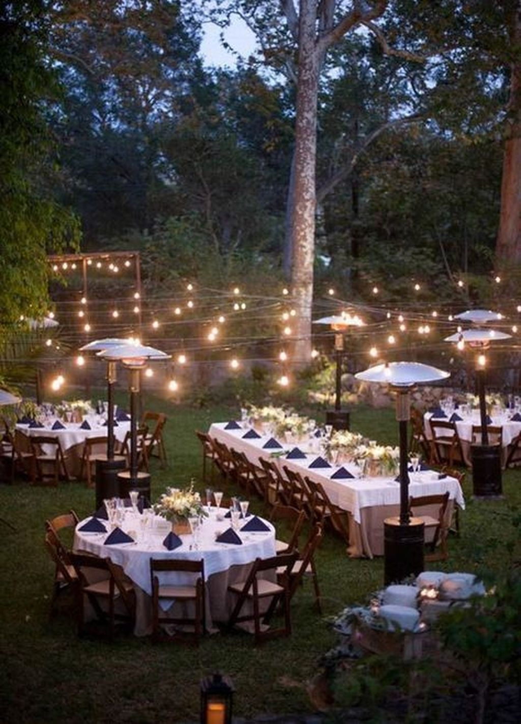 Beautiful Backyard Wedding Decor Ideas To Get A Romantic Impression 10