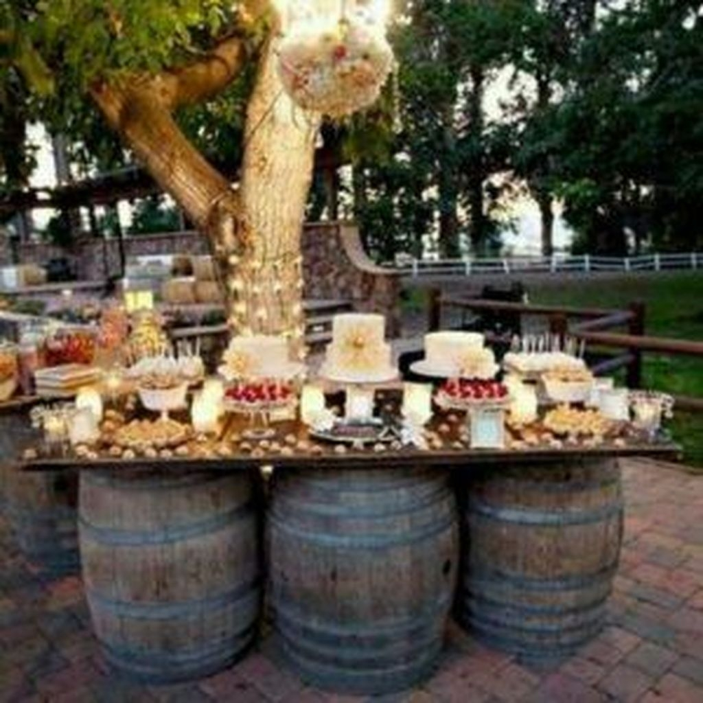 Beautiful Backyard Wedding Decor Ideas To Get A Romantic Impression 36