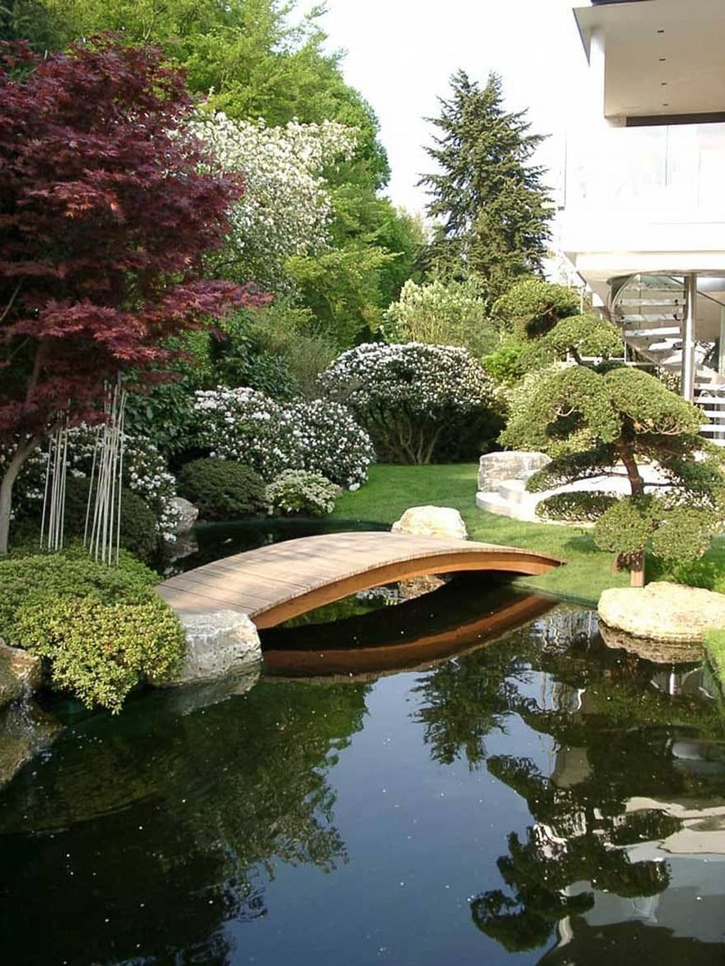 Beautiful Modern Backyard Landscaping Design Ideas 37