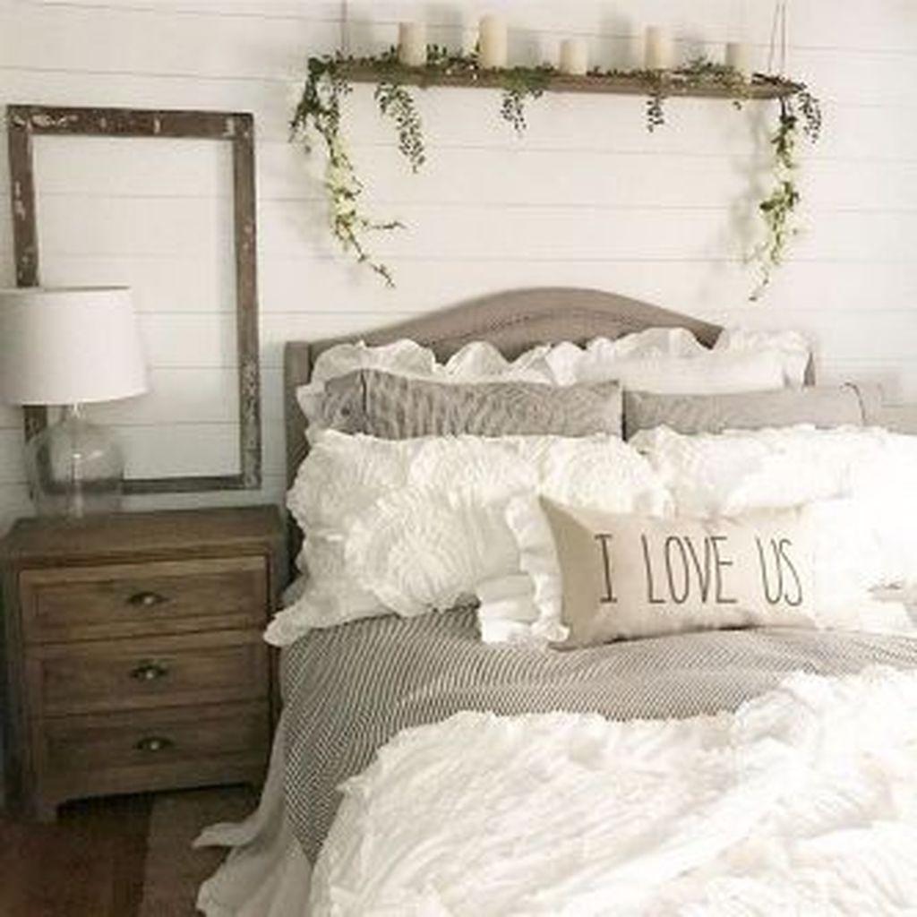 Beautiful Modern Farmhouse Master Bedroom Decoration Ideas 03
