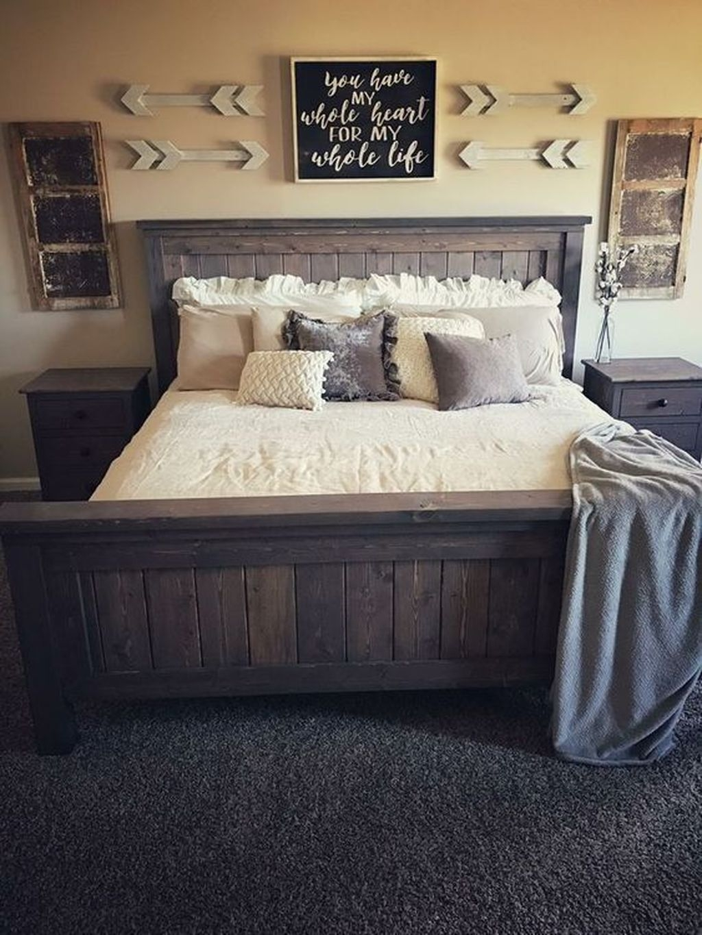 Beautiful Modern Farmhouse Master Bedroom Decoration Ideas 14