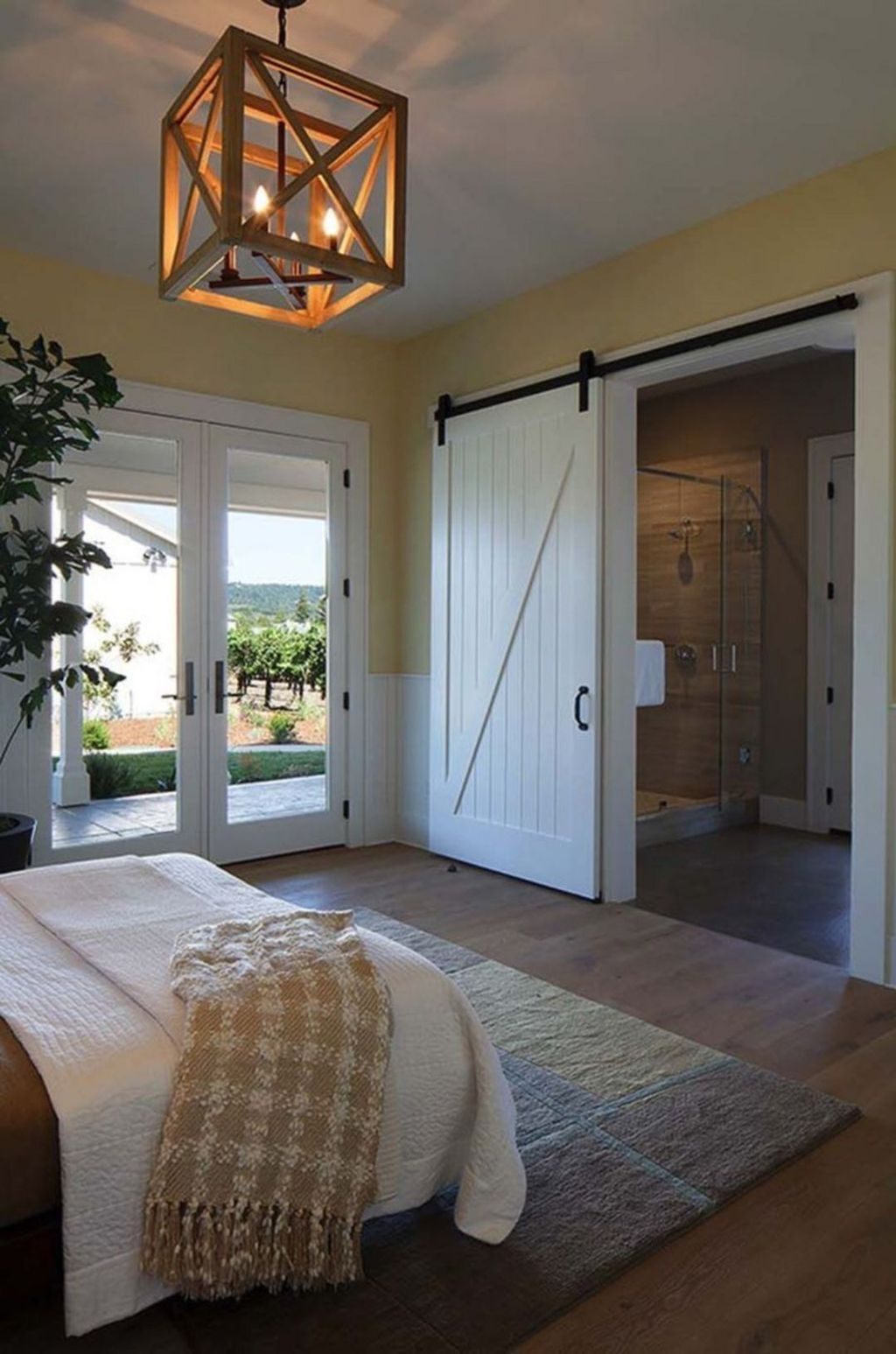 Beautiful Modern Farmhouse Master Bedroom Decoration Ideas 28