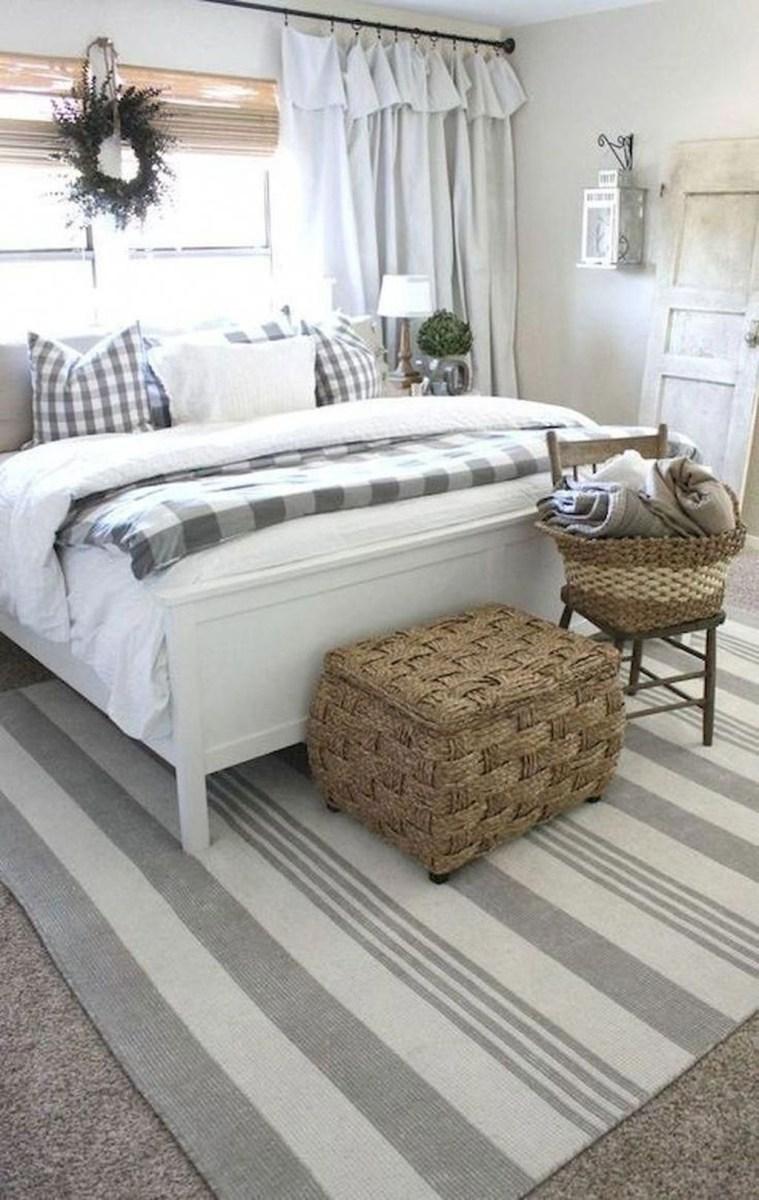 Beautiful Modern Farmhouse Master Bedroom Decoration Ideas 30
