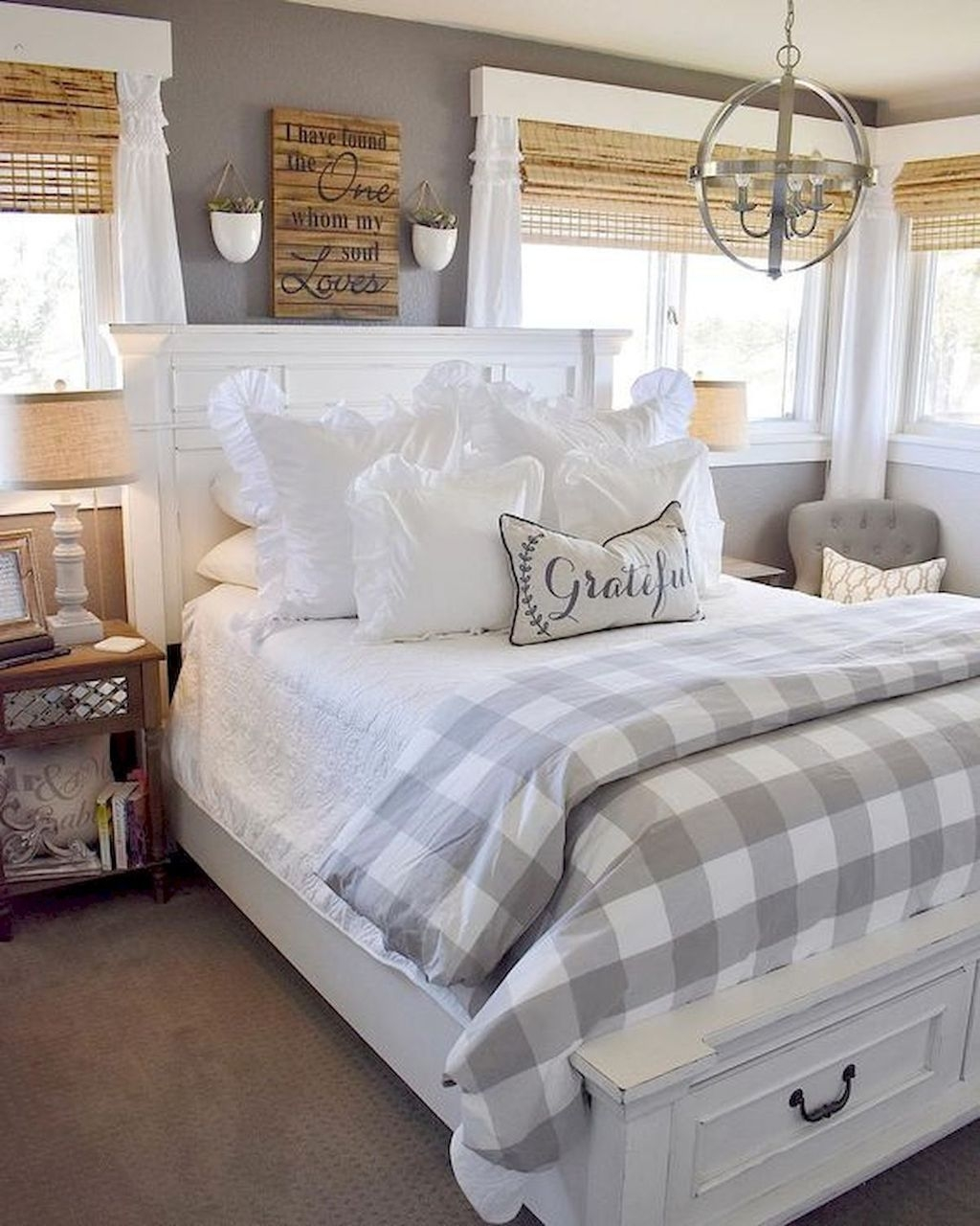 Beautiful Modern Farmhouse Master Bedroom Decoration Ideas 32