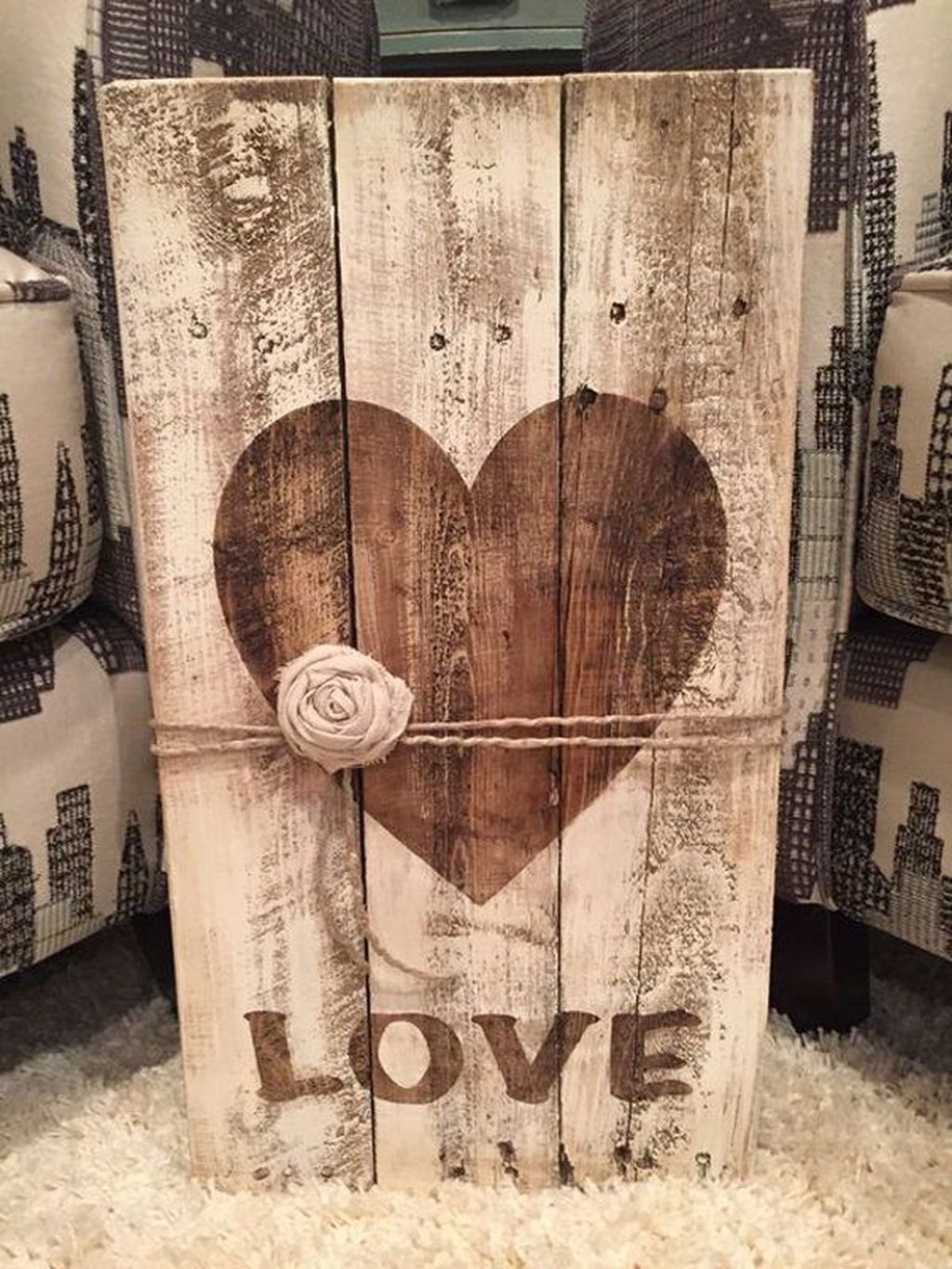 Cute Farmhouse Style Valentine Decorations 33